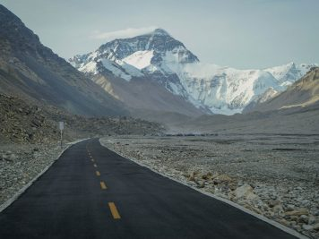 The Road to Everest – Everest Base Camp, Tibet
