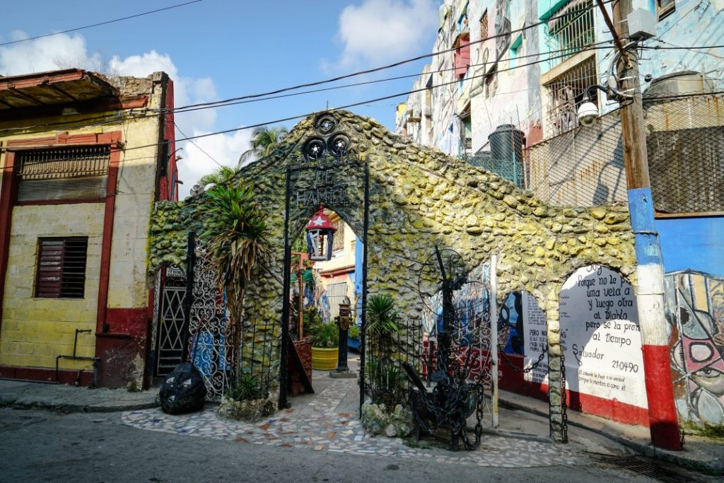 Travel Back in Time, a Guide to Havana – Cuba